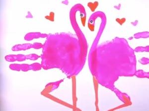рисование ладошками фламинго